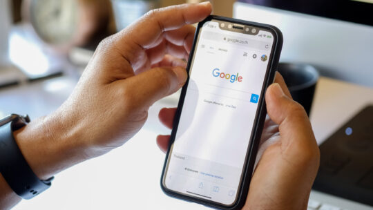 ¿Por qué Google paga a los editores franceses pero lucha contra Australia?