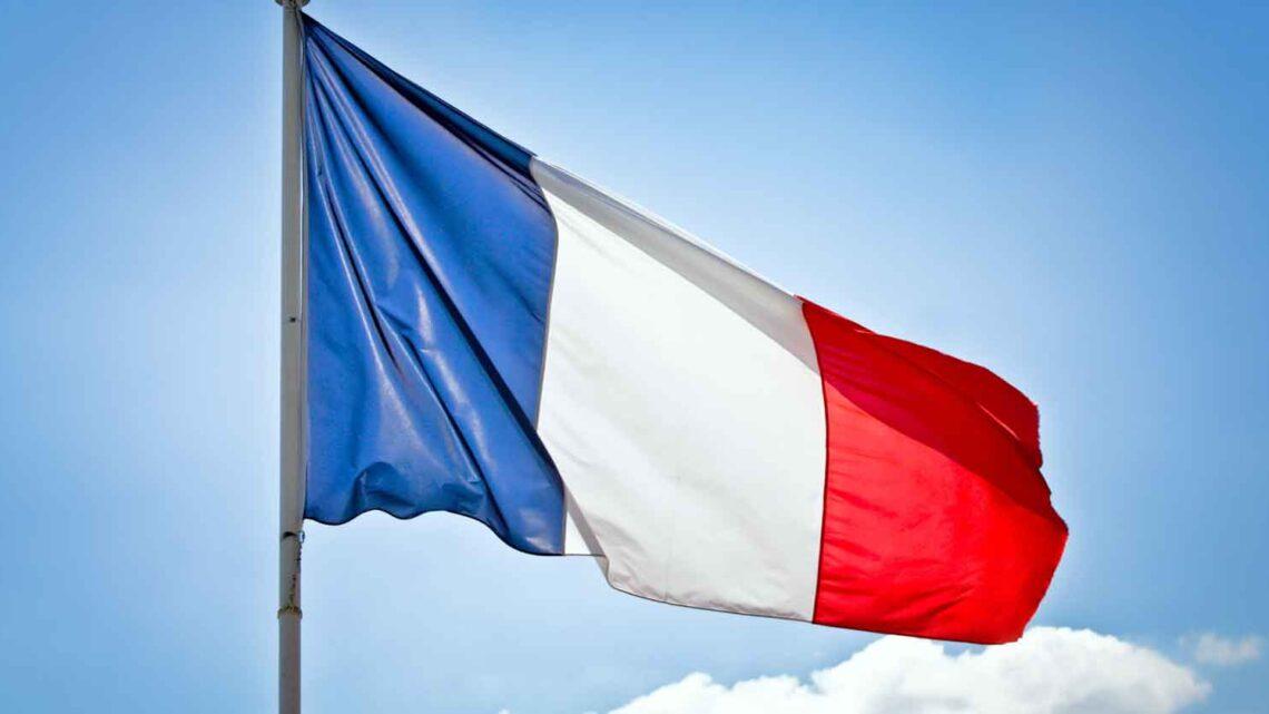 Google acepta pagar a los editores de noticias franceses por el contenido