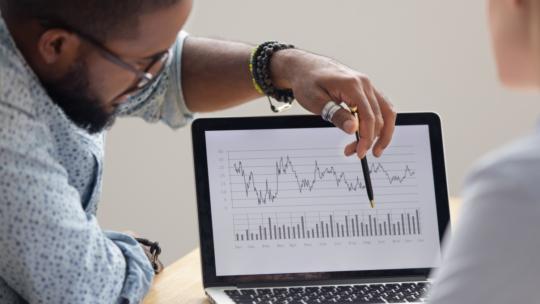Evite estos 10 errores en la narración de datos que socavan su experiencia