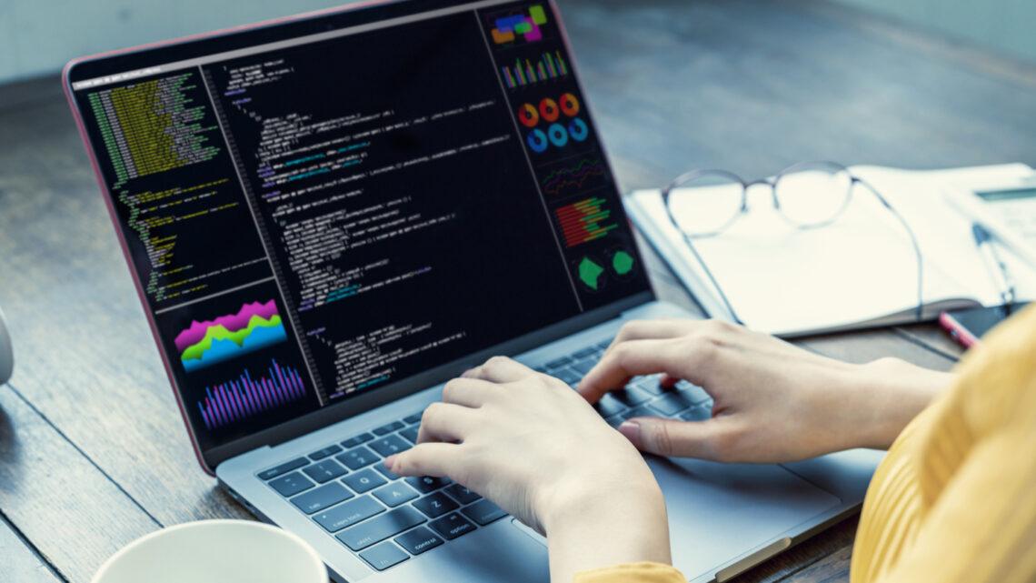 Cómo utilizar Python para analizar y rotar archivos de registro del servidor para SEO