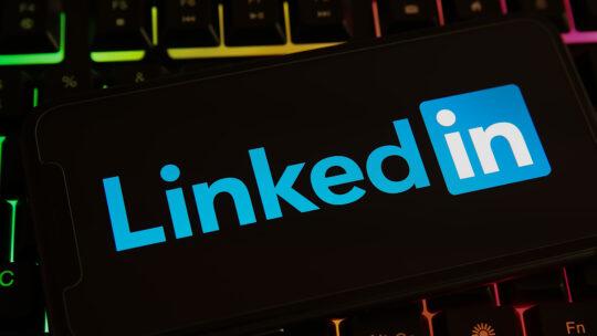 LinkedIn agrega calificaciones y reseñas a los perfiles de los usuarios